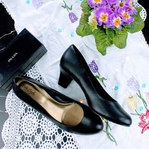 Soft Styles by Hush Puppies Black Heels Size 10